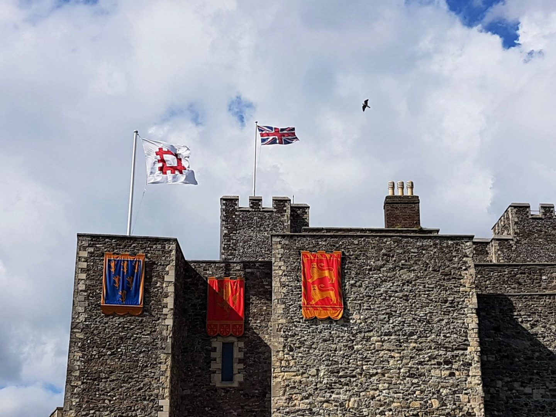falcon-above-dover-castle