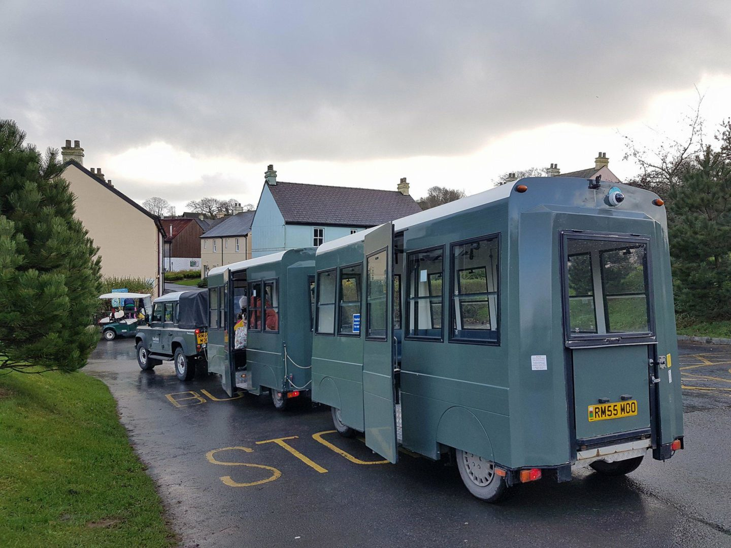 Land Rover train, Bluestone Wales