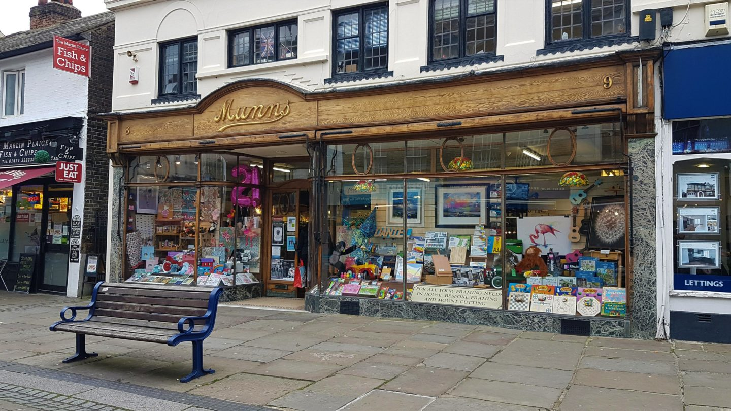 Munns of Gravesend, arts, crafts and gifts