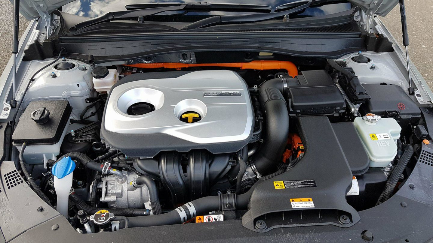 Kia Optima Sportswagon PHEV engine bay