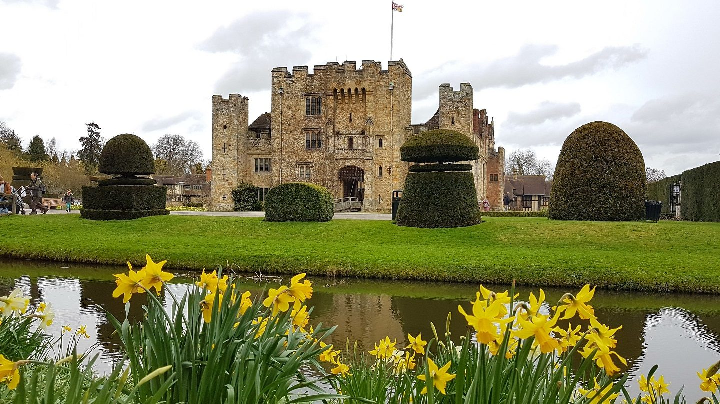 Hever Castle in the spring, beautiful daffodils at Easter