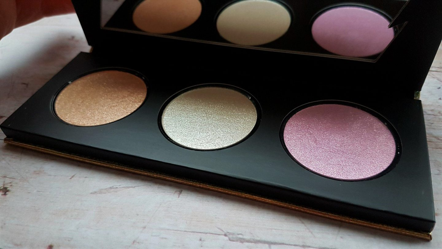 Kat Von D Metal Crush highlighter palette review