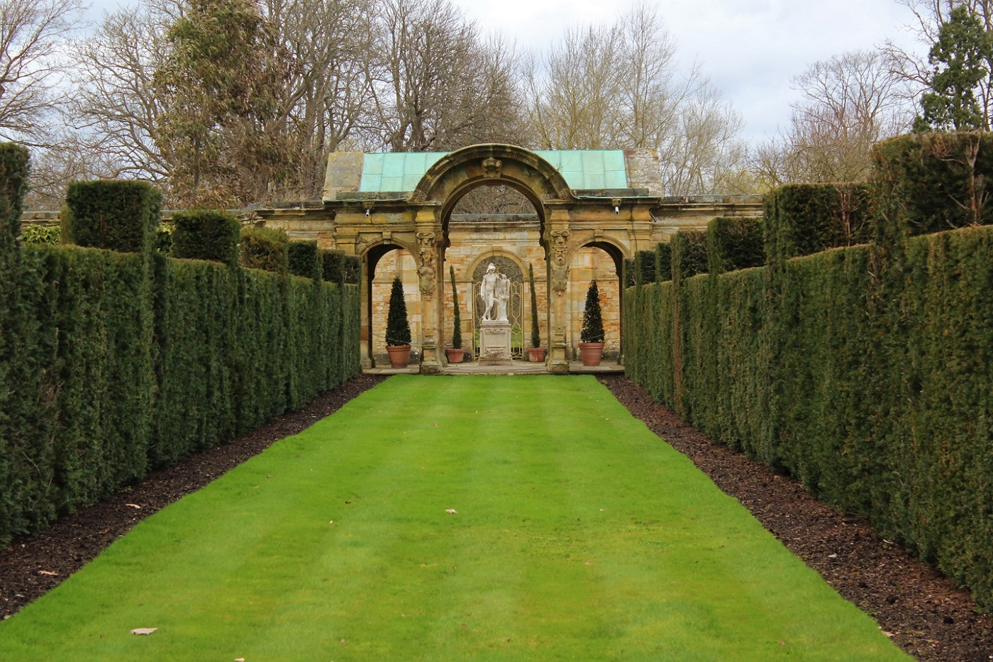Landscaped Italian garden at Hever Castle