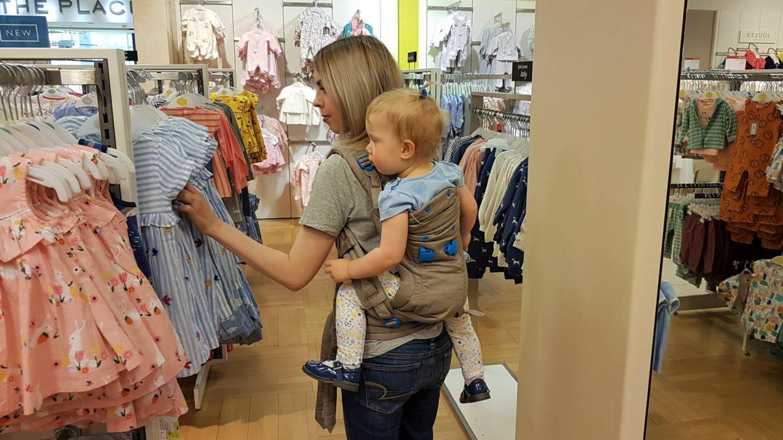 Shopping while toddler wearing
