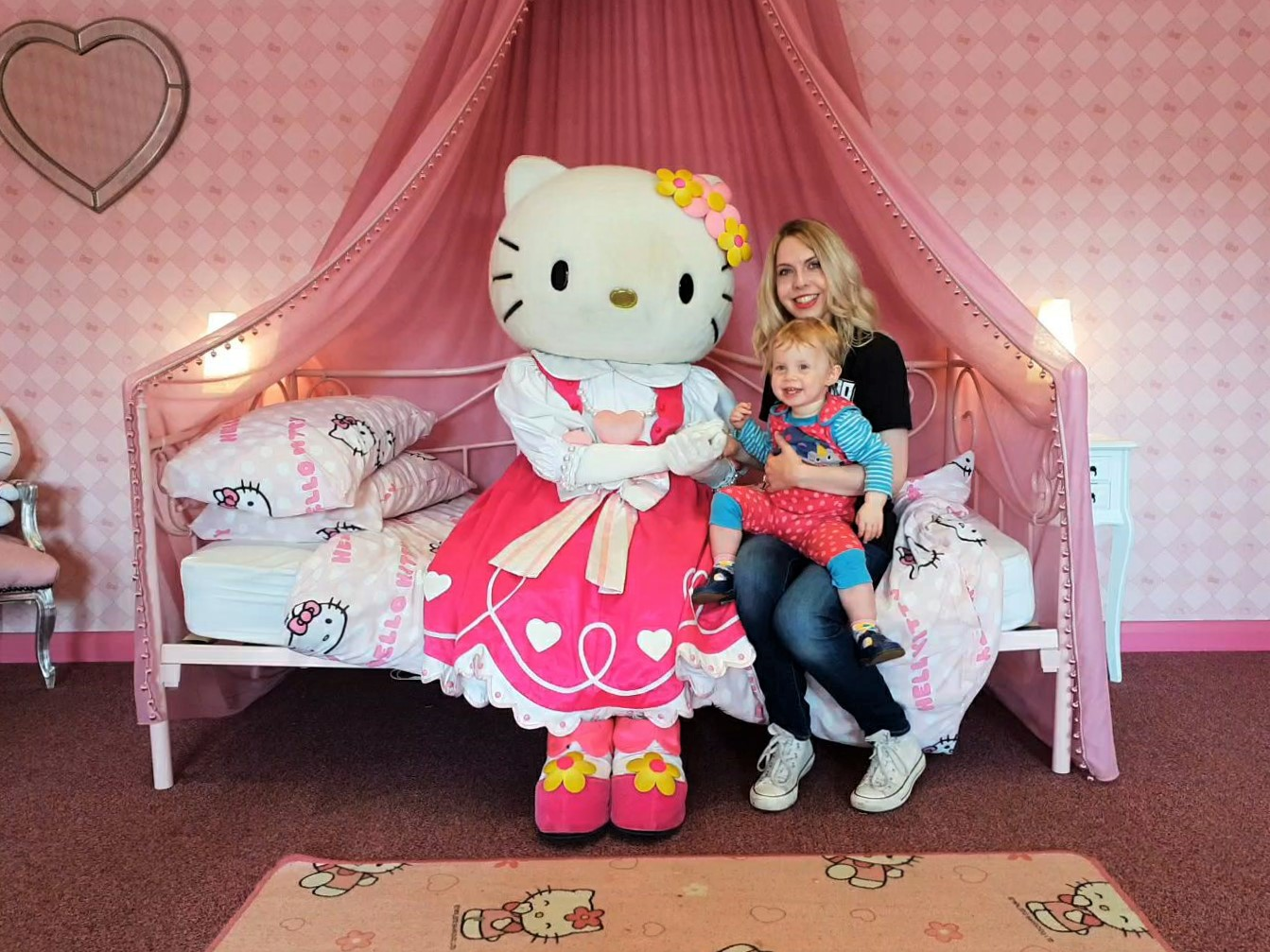 Meeting Hello Kitty at Drusillas Park