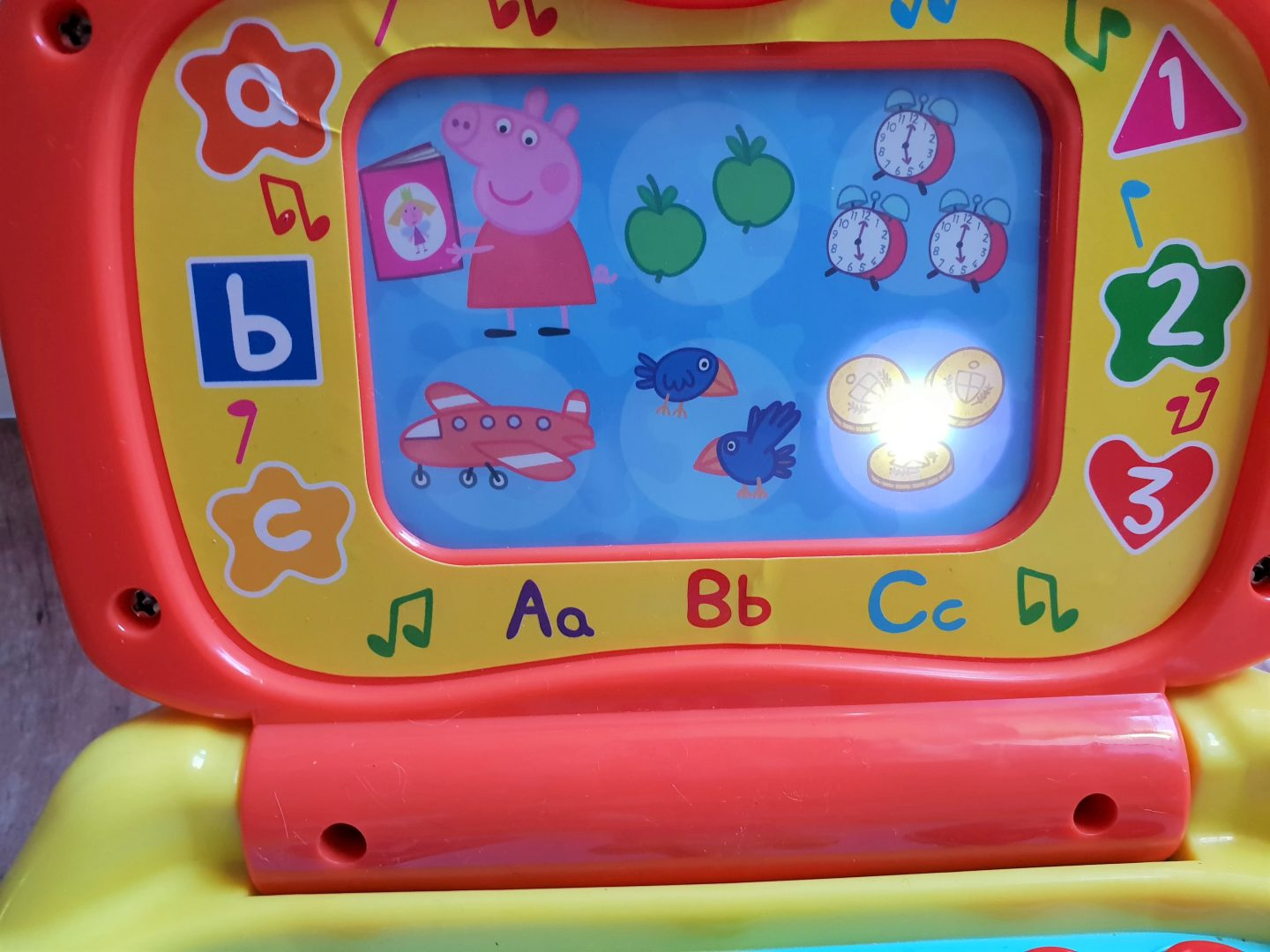 Peppa Pig laptop backlit