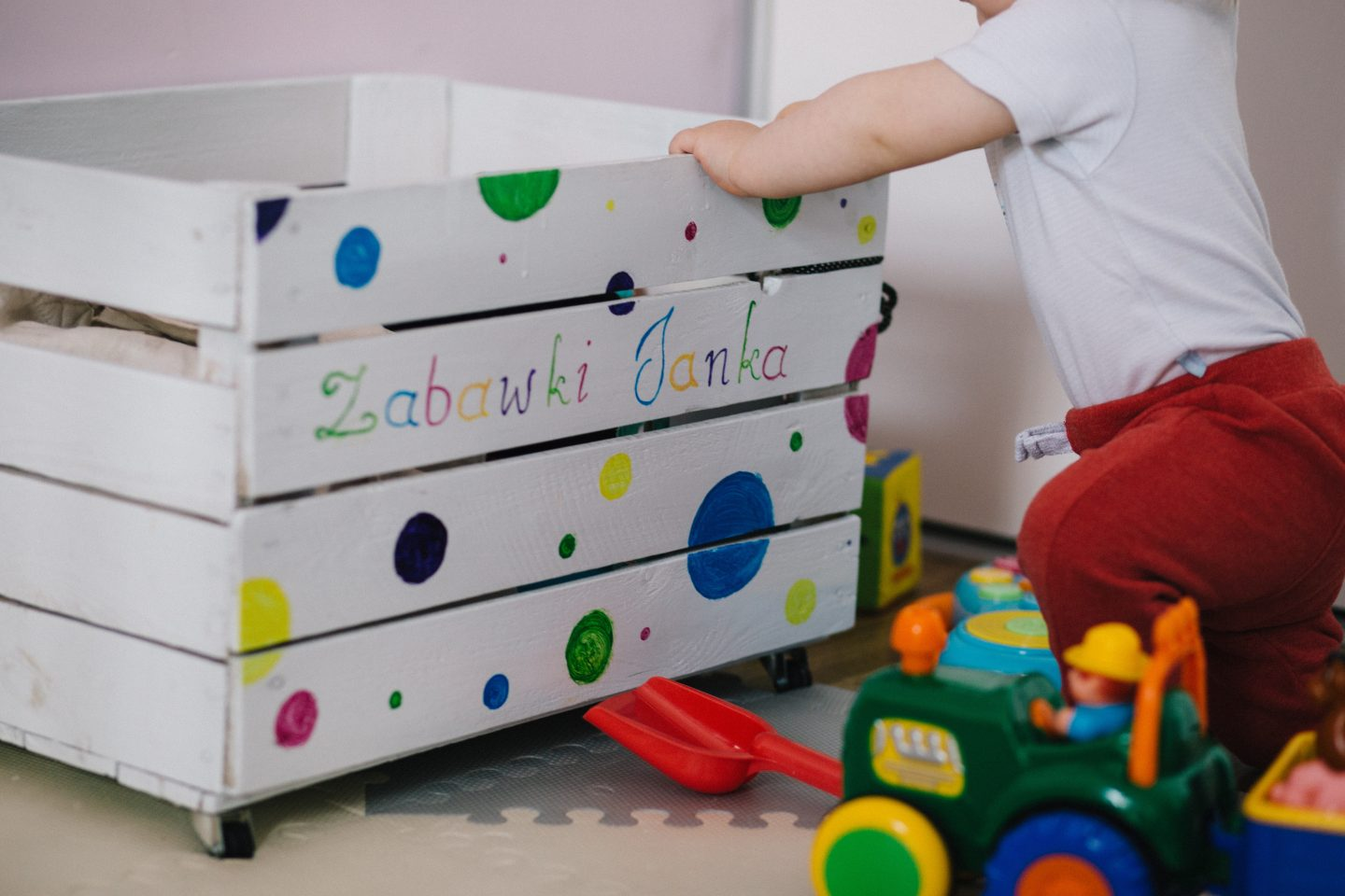 Toddler toy box storage