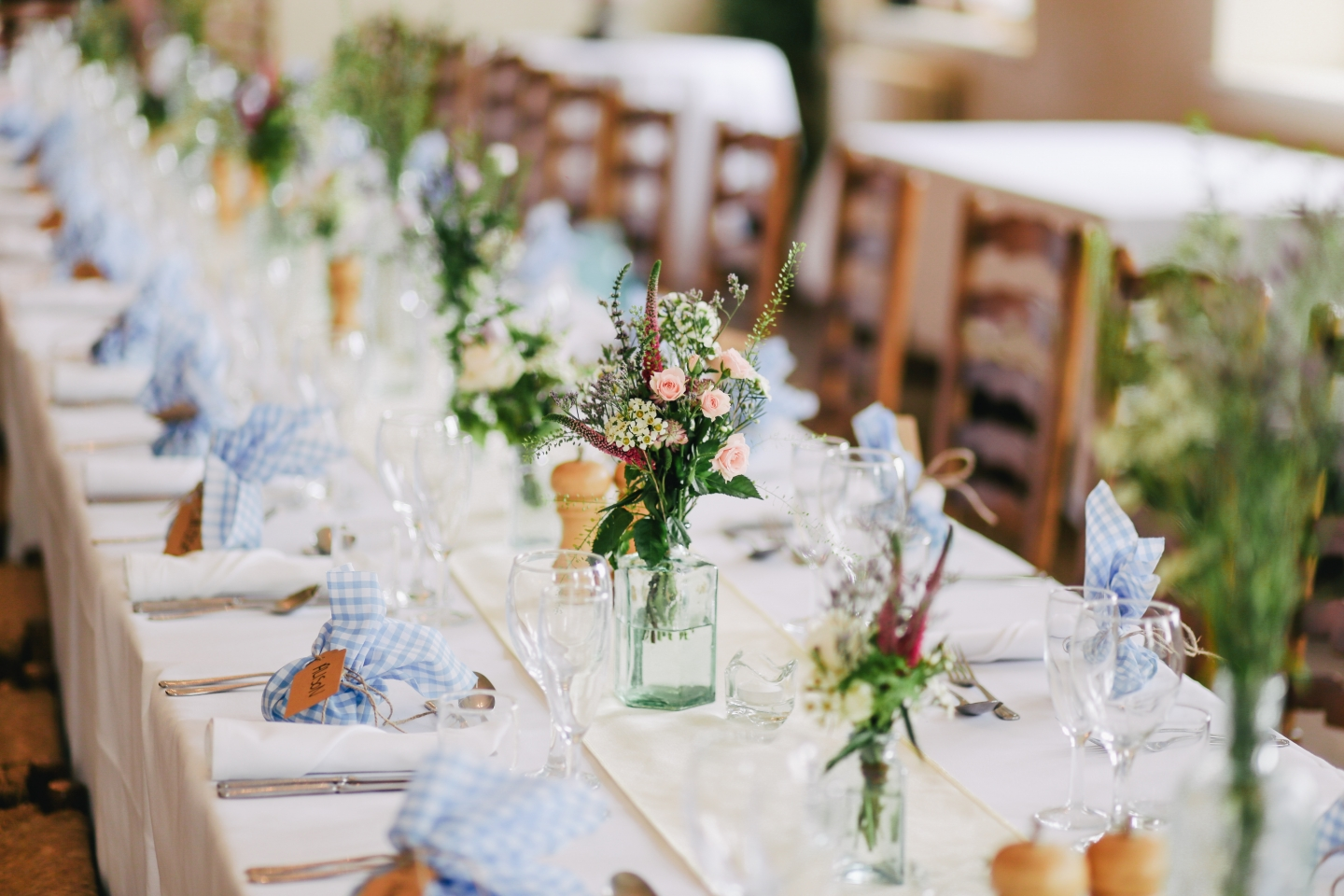 wedding planning table decoration blue and blush pink