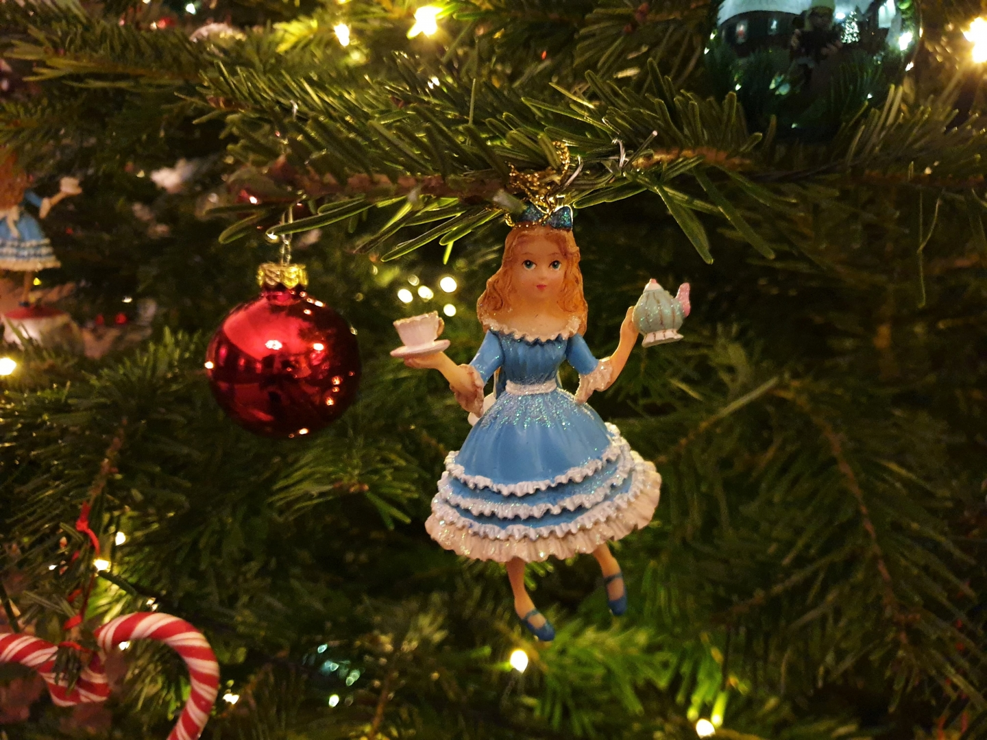 Alice in Wonderland tree decoration at Hever Castle