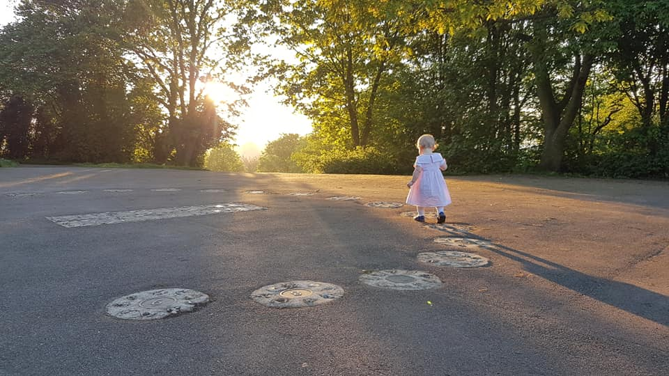 Photographing a toddler during golden hour