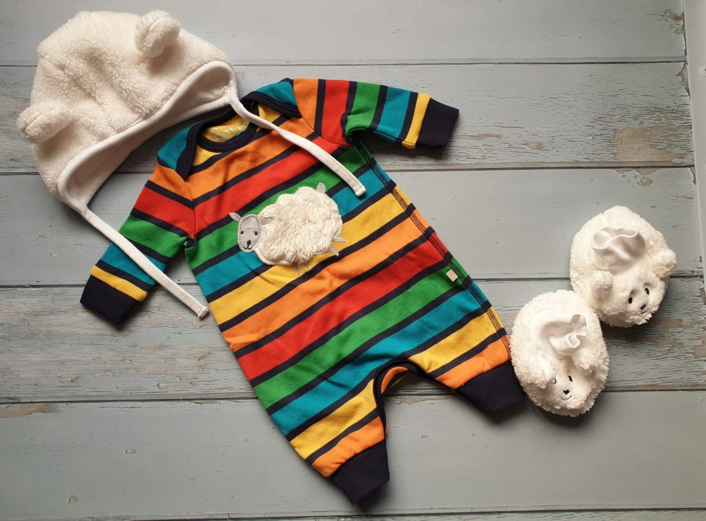 Frugi going home outfit for baby