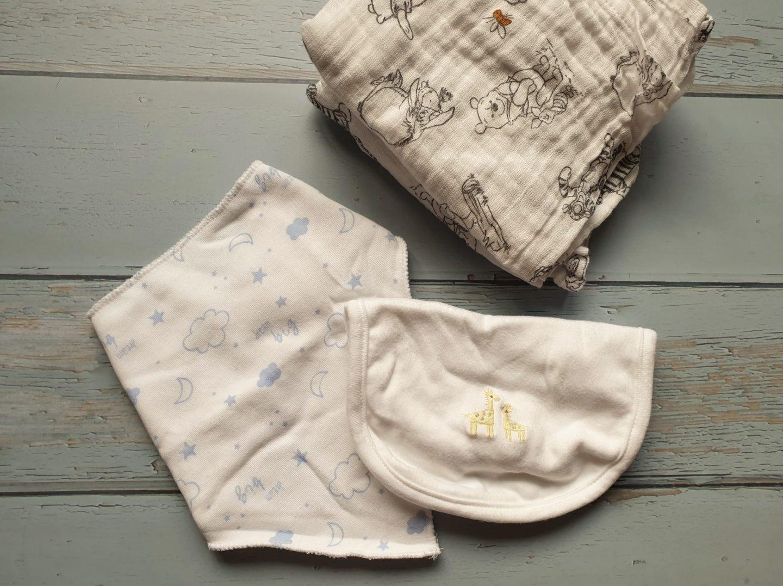 Muslin cloths and bibs