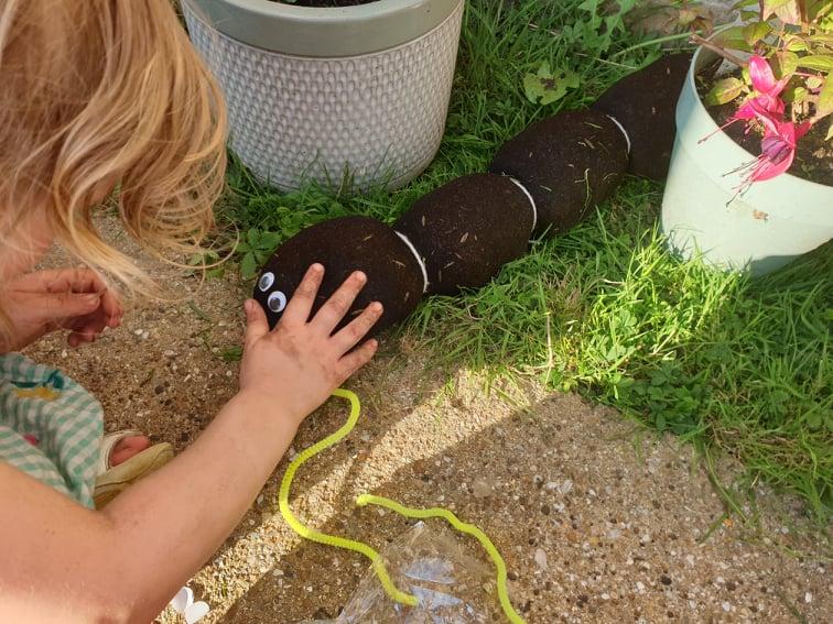 Making a grass caterpillar